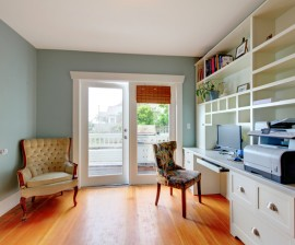 Sesiones de acompañamiento antes durante y después de sus mudanzas y  cambios repentinos de vivienda para poder crear un ambiente armonioso y sano en el menor tiempo posible.